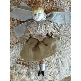Gl. Porcelænsdukke [9cm] Stofkrop