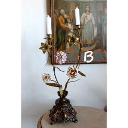 Gl. Fransk Kirkestage med 3 Porcelænsblomster + 2 metalblomster [H52cm] Pr. stk