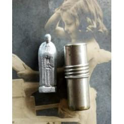 Lommealter Lommefigur i Cylinder-etui [Pave/Helgen]