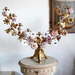 Fransk Kirkestage med 14 Porcelænsblomster + 2 Opalblomster[H60x73cm]