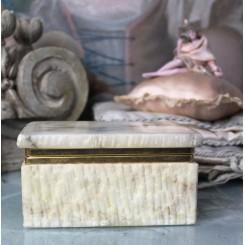 Gammel Fransk Skrin i Alabast [H7,5x10x14cm]