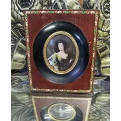 Gl. Miniature Billede i Træramme med Bort [12x10 cm]