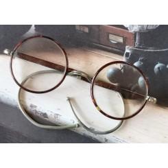 Gl. Runde Briller i Etui