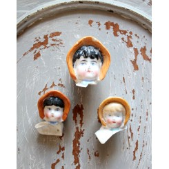 Dukkehoveder med Kyse PORCELÆN (Biedermeier) 3 stk
