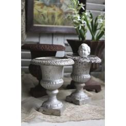 Jern Vase på fod [H12,5 cm] |Pr. stk. ASS.