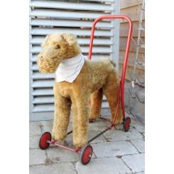 Hund på hjul TERRIER [H53x52cm]